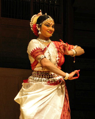 As a Garden Waits for Rain: Enakshi Sinha – Classical Indian Dance